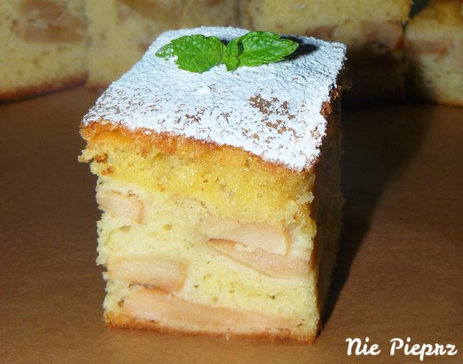 puszyste-ciasto-z-jablkami